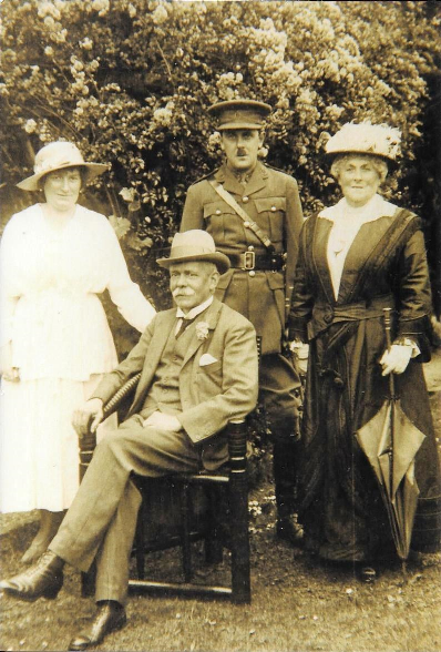 Dr Thomas Nd Sydney Sharples - about 1914?